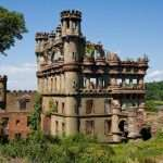 This Island Castle in New York Is Home to a Murder Mystery